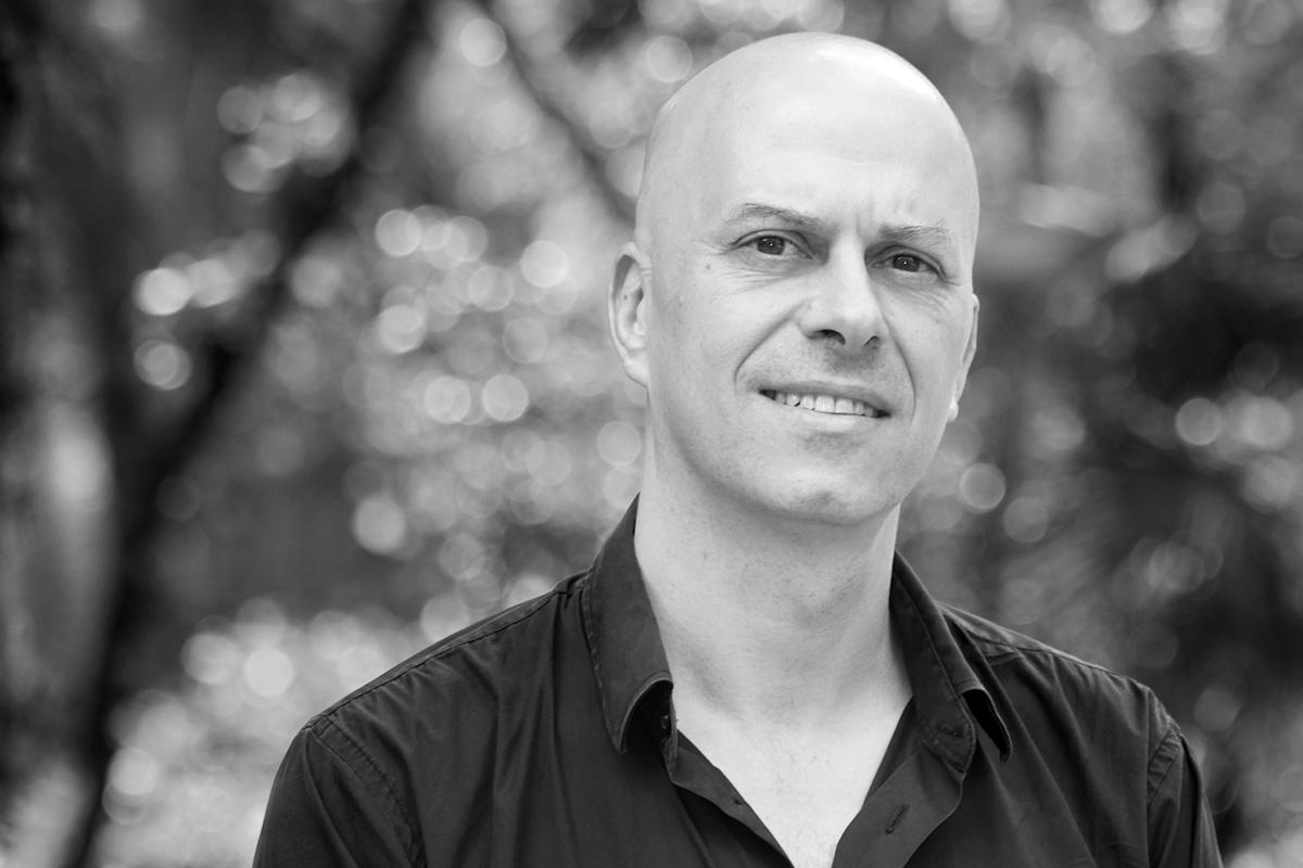 Daniel Tubau en librería Rafael Alberti