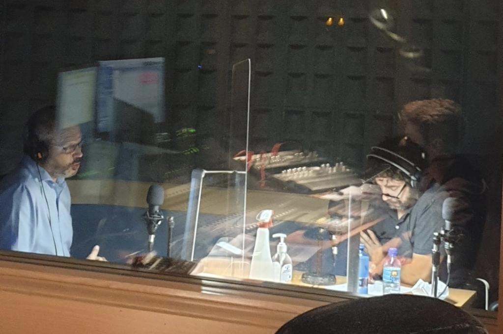 Enrique Pascual y Samuel A. Omeñaca en la grabación del primer episodio del podcast de Librerías de Madrid