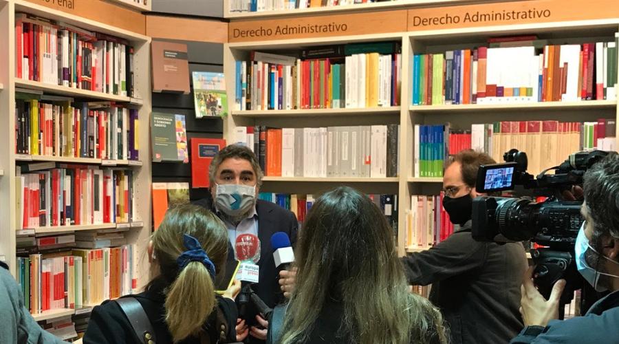 El ministro de Cultura, José Manuel Rodríguez Uribes, anuncia una subida de 8 millones de euros para el libro